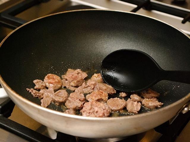 1. Chuẩn bị thực phẩm trước khi nấu