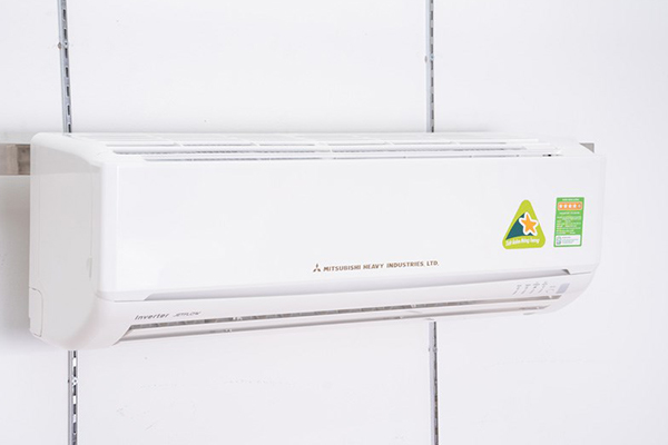 Bề mặt máy lạnh phải nguyên vẹn