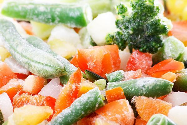 Sử dụng lò vi sóng để nấu rau củ quả có tốt không