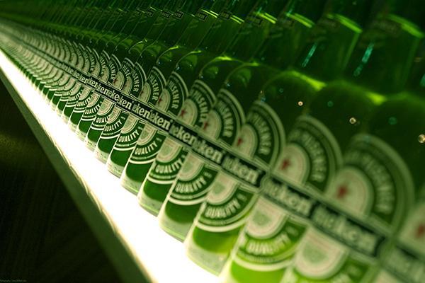 """Bia thường được đóng chai hoặc lon nên bạn có thể biết bạn đang ở """"Chai thứ mấy"""""""