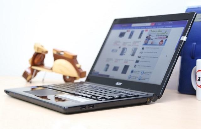 Thiết kế đơn giản và gọn nhẹ của Acer Aspire E1 470