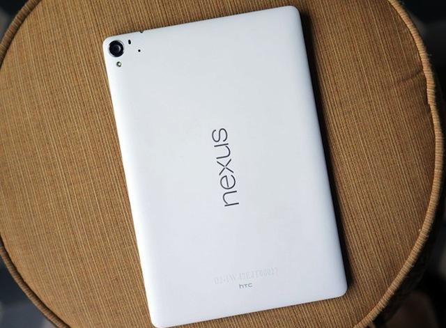 Mặt sau của Nexus 9