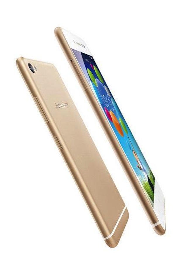 Thiết kế khá giống iPhone 6