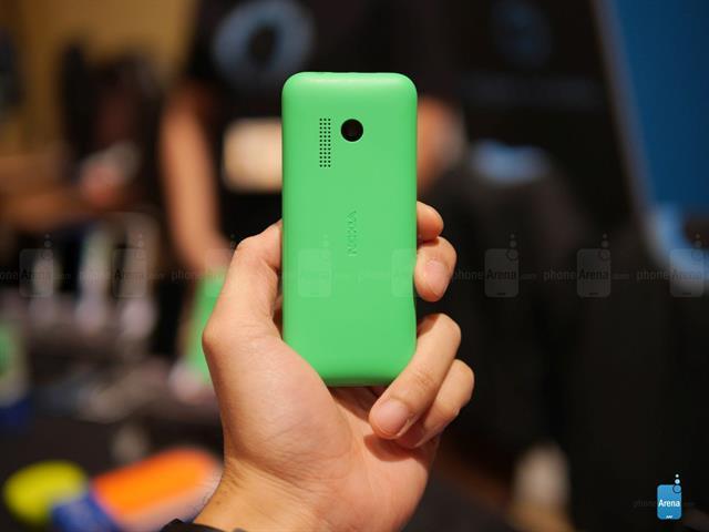 Hình ảnh Trên tay Nokia 215, thời lượng pin dài với giá chỉ 600 ngàn đồng số 6