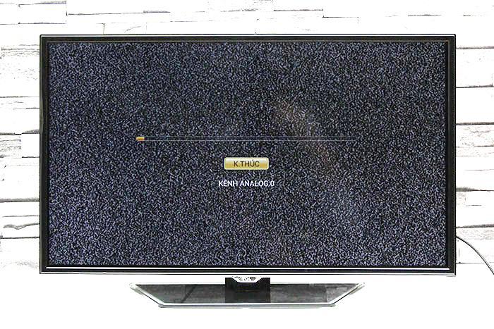Chờ đợi từ 3 đến 5 phút cho tivi dò kênh xong