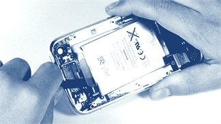 Pin điện thoại bị 'chai', có thể khắc phục không, hay phải mua mới?