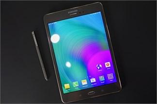 Trên tay Samsung Galaxy Tab A có nghe gọi nhắn tin như điện thoại và đi kèm bút S-Pen