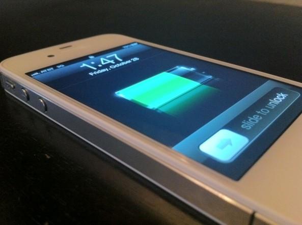 iPhone gia chay iOS 8 nhu hang that gay hoang mang o nuoc lang gieng Viet