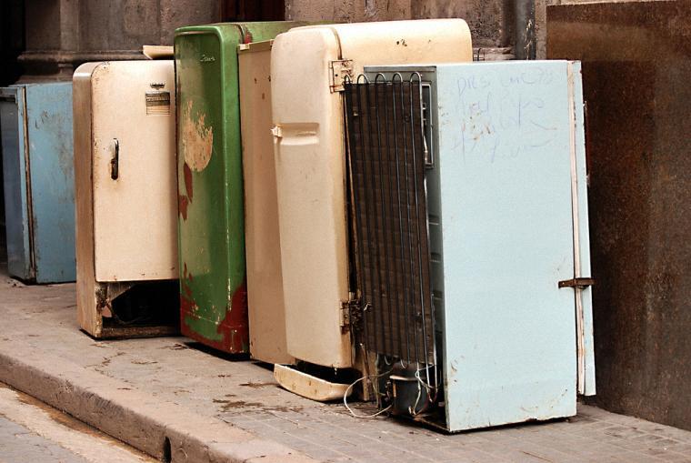 Tủ lạnh quá cũ mang đến nhiều hiểm họa khôn lường