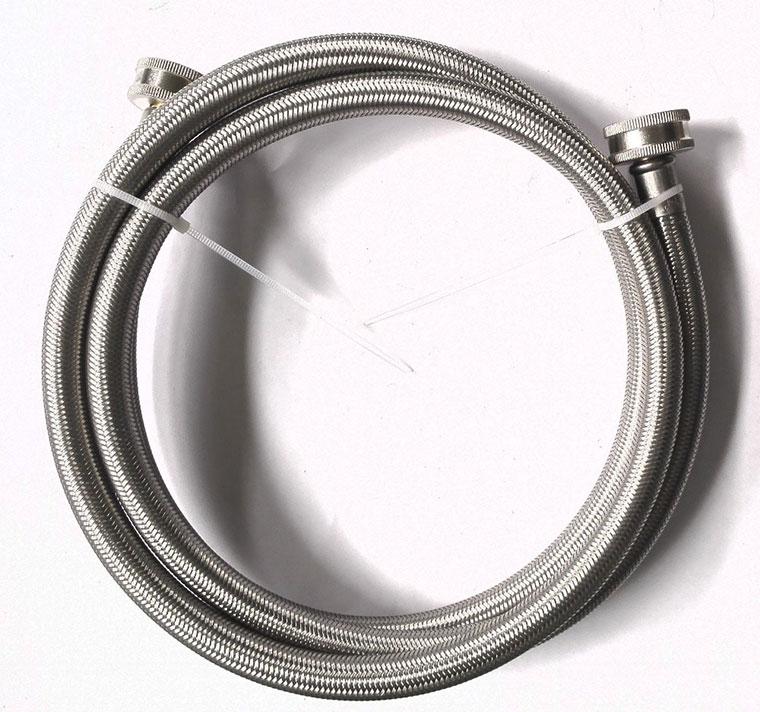 Nên thay ống dẫn nước vào máy giặt hay van cao su thường xuyên