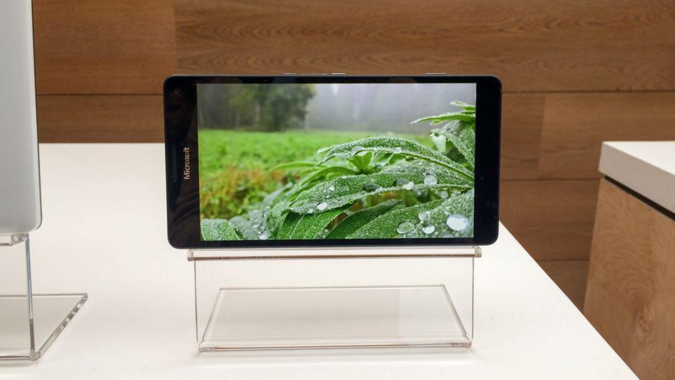 Microsoft Lumia 950 XL dùng màn hình AMOLED
