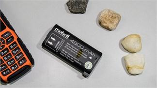 """Đánh giá Mobell Rock: Điện thoại """"nồi đồng cối đá"""", pin xài nửa tháng, giá chỉ 600 ngàn"""
