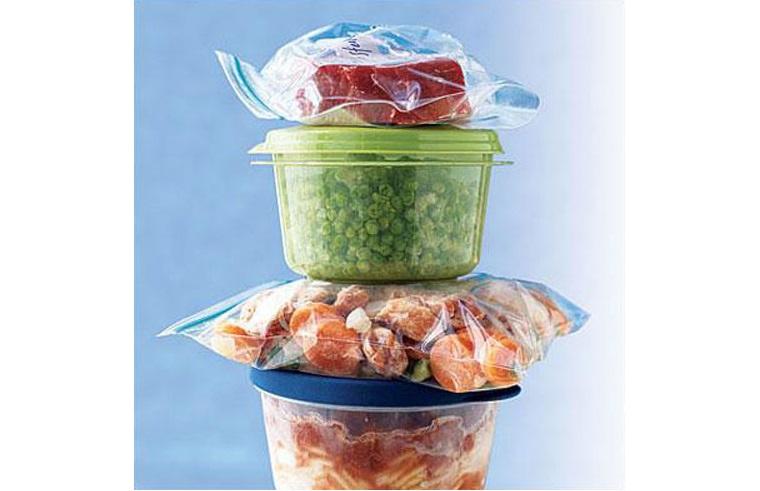 Đối với các thực phẩm đã chế biến sẵn, các bà nội trợ thường hay sử dụng ngăn lạnh