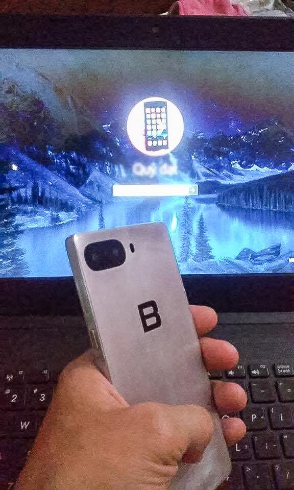 Lộ ảnh thực tế Bphone 2 với camera kép như iPhone 7 Plus
