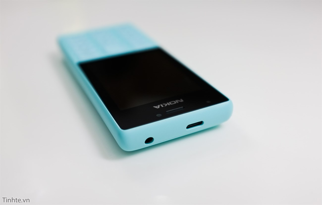 Trên tay Nokia 216: 2 SIM, 2 camera, 2 đèn flash, sản xuất tại VN