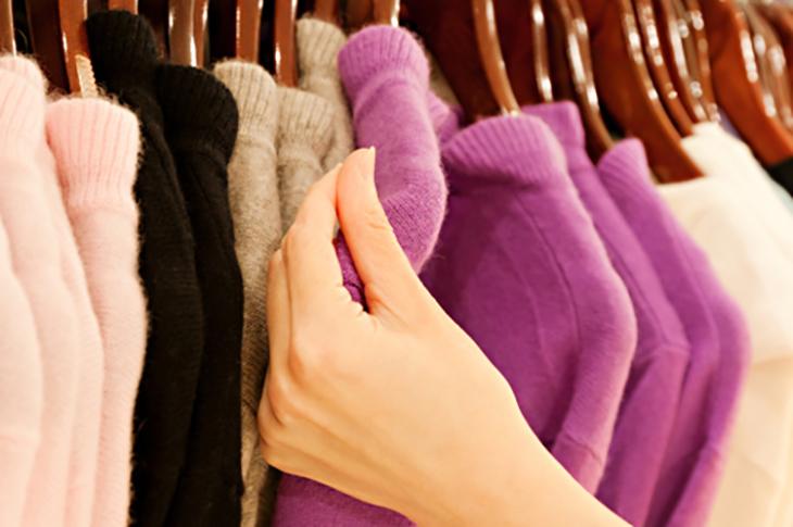 Không giặt quần áo len bằng máy giặt