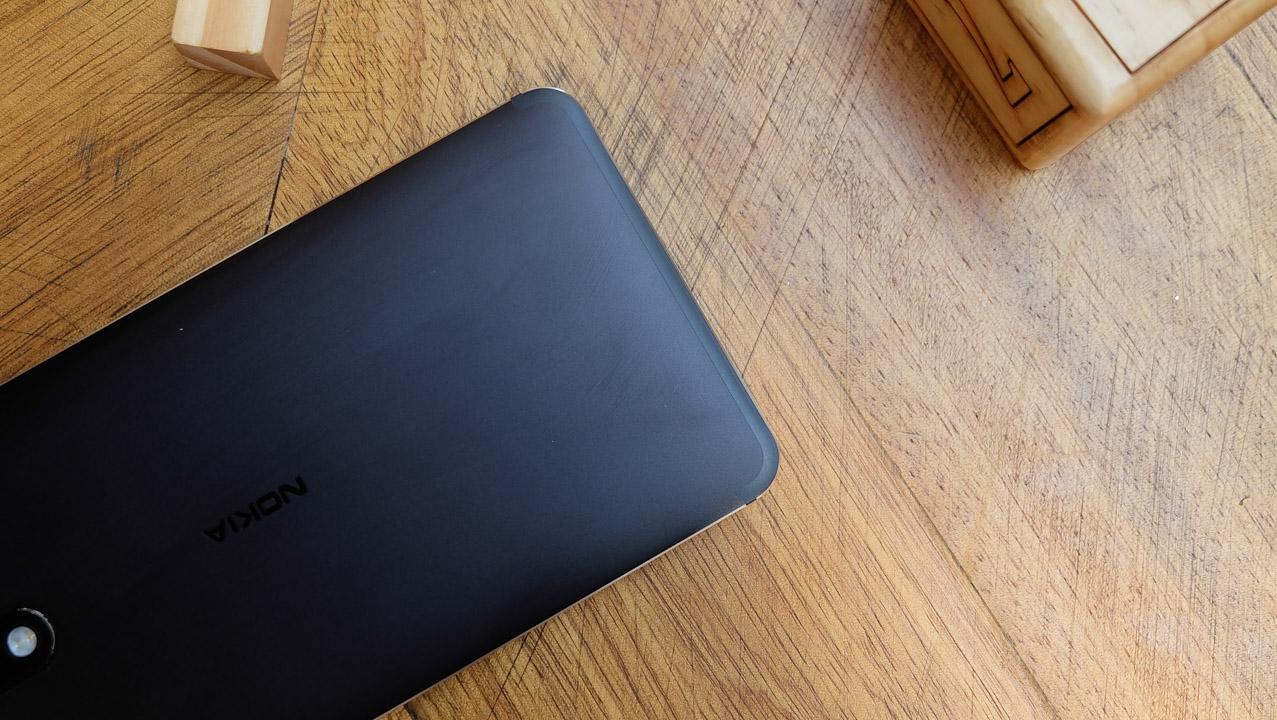 trên tay Nokia 6