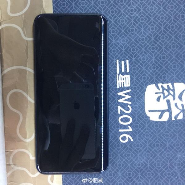 Galaxy S8 màu đen bóng bẩy xuất hiện trên tay người dùng