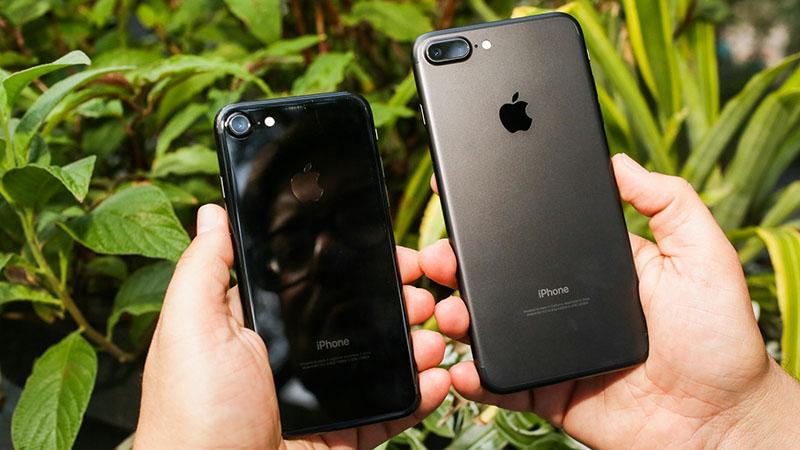 iPhone màu Đen bóng / Đen nhám