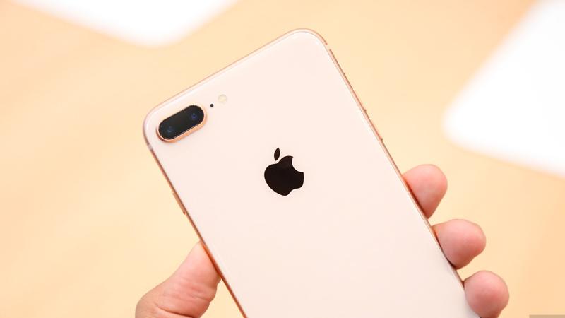 Trên tay iPhone 8 Plus