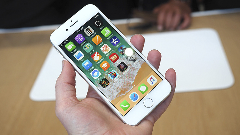 Trên tay iPhone 8