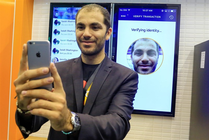 iPhone X với Face ID có giúp bảo mật khuôn mặt bùng nổ trong tương lai - 206096