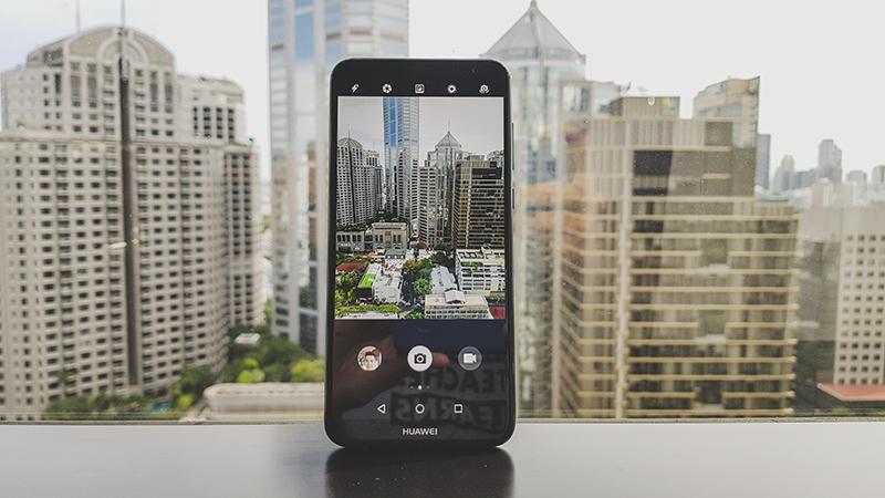 Trên tay Huawei Nova 2i