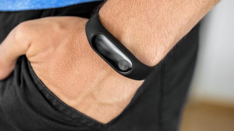 Vòng đeo tay thông minh Mi-Band 2 chỉ còn 490.000 đồng