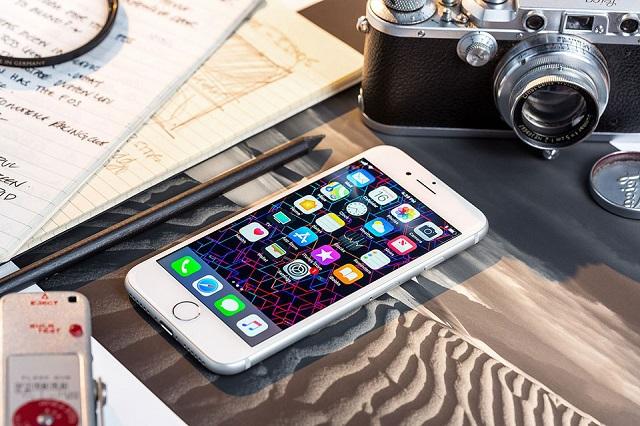 Địa chỉ thay màn hình iPhone 8 Plus chính hãng
