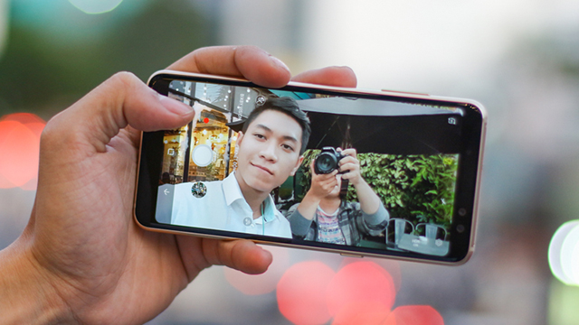 Camera selfie Samsung Galaxy A8 (2018)