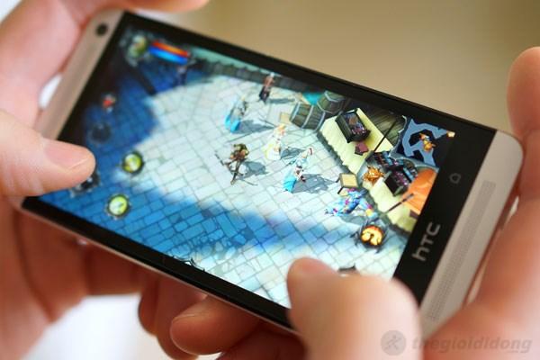 HTC One sở hữu cấu hình khá ấn tượng và hiệu năng vượt trội