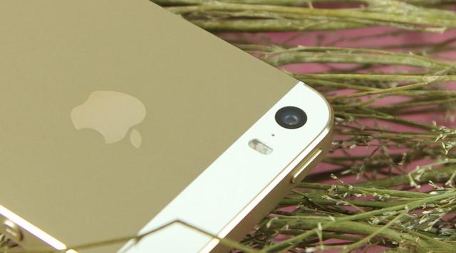 Camera với đèn flash kép cho hình ảnh rõ nét