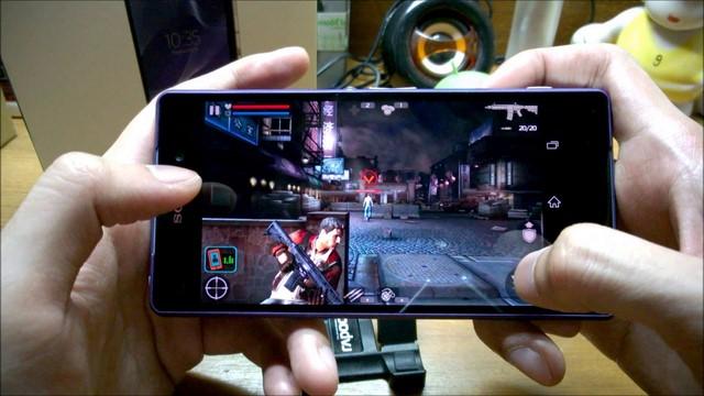 Với chất lượng hiển thị xuất sắc, bạn thoải mái xem những bộ phim HD, chơi game đồ họa cao đầy hấp dẫn ngay trên chiếc smartphone của mình