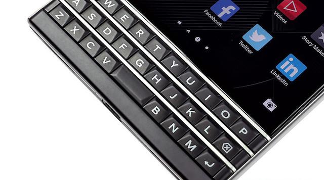 Bàn phím cứng đặc trưng của BlackBerry