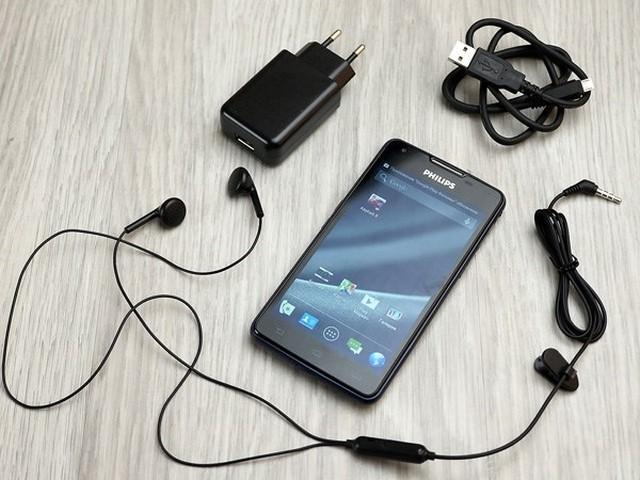 Smartphone 5 inch với chiếc pin cực khủng