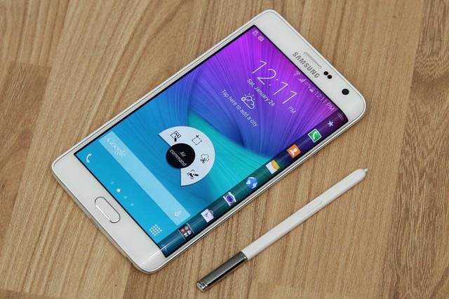 Sản phẩm gây được sự chú ý lớn khi vừa mới ra mắt trên thị trường smartphone cao cấp