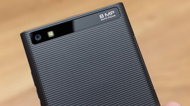 BlackBerry OS 10.3 chạy mượt mà trên Leap.