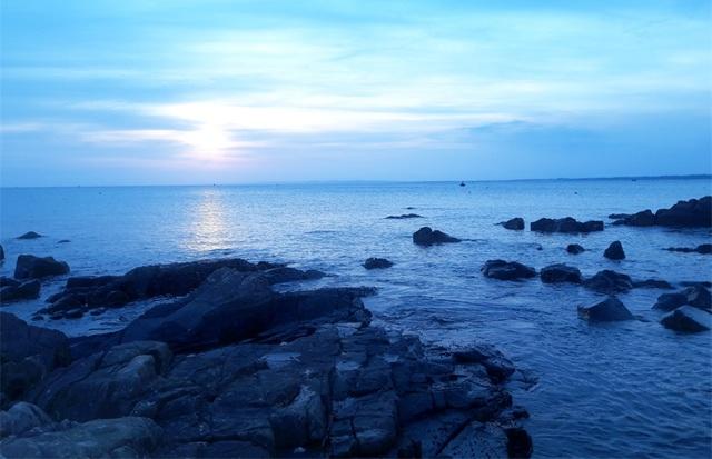 Bãi Cổ Thạch - Bình Thuận một sáng bình minh (Ảnh: Vĩ Thành Phan)