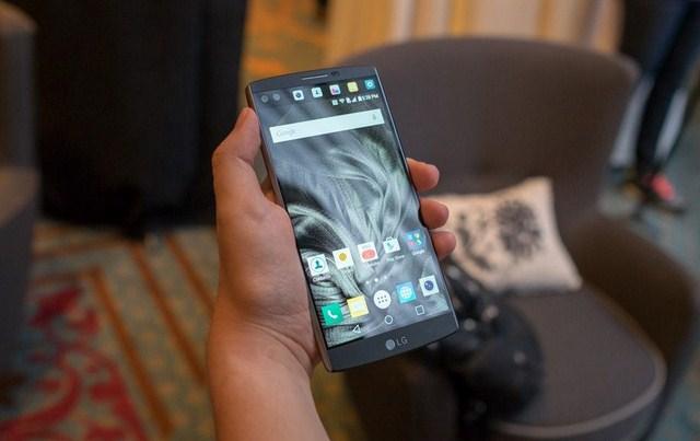 Sản phẩm đầu tiên trong dòng V series của LG, các thông số khá giống LG G4