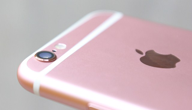 Camera iPhone 6s Plus vẫn lồi nhưng không phải là điều đáng lo ngại