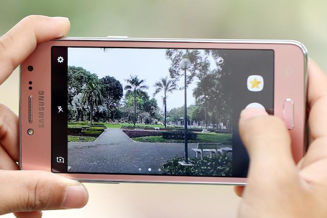 Samsung Galaxy J2 Prime - Camera selfie có đèn flash