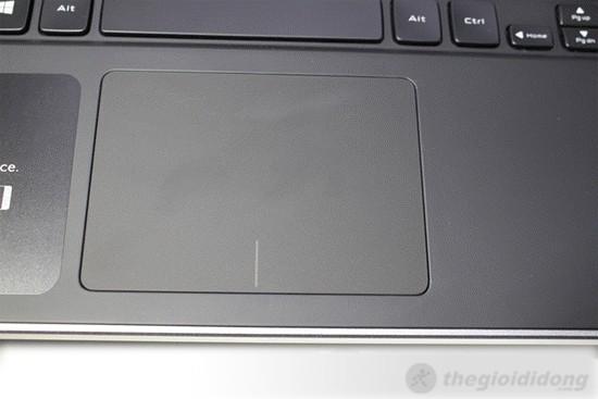 Dell XPS 14 L421X có touchpad rộng rãi