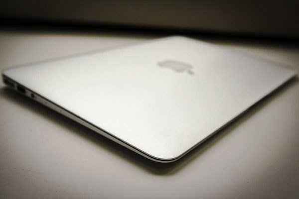 Apple Macbook Air 13inch 2014 siêu mỏng