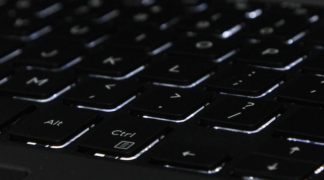 Dell Inspiron 5559 i7 6500U - Bàn phím đầy đủ cụm phím số