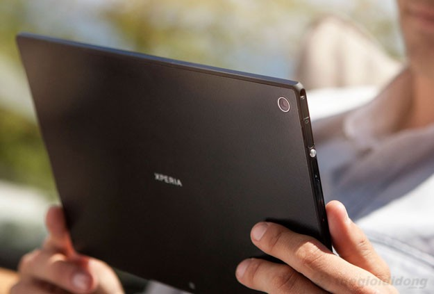 Camera 8.1 MP được thiết kế trên góc phải phía sau của Sony Xperia Tablet Z