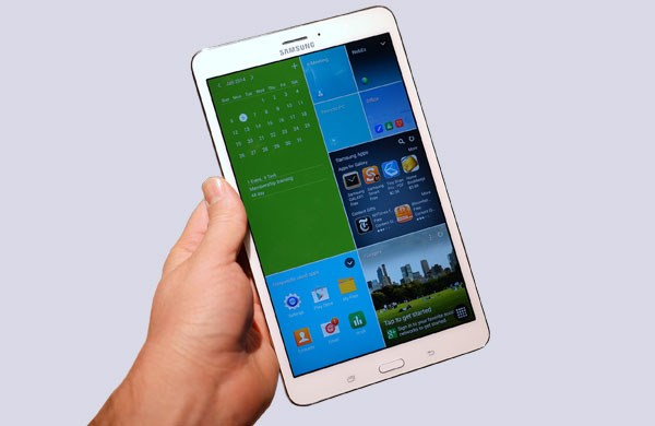 Samsung  Galaxy Tab 4 8.0 nhỏ gọn, vừa tay