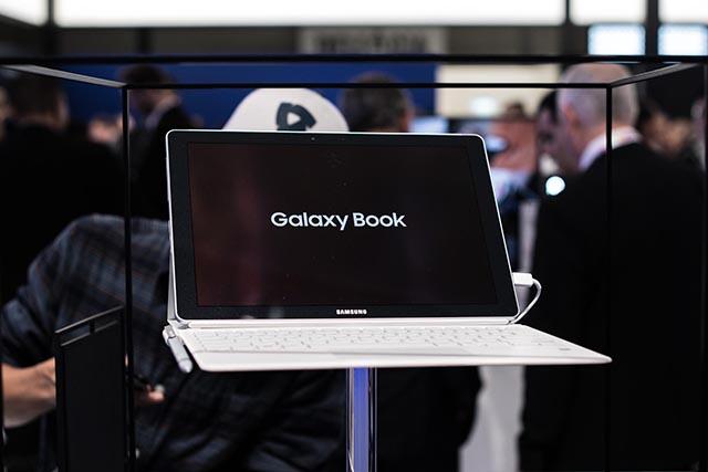 Samsung Galaxy Book 10.6 inch sang trọng và tinh tế