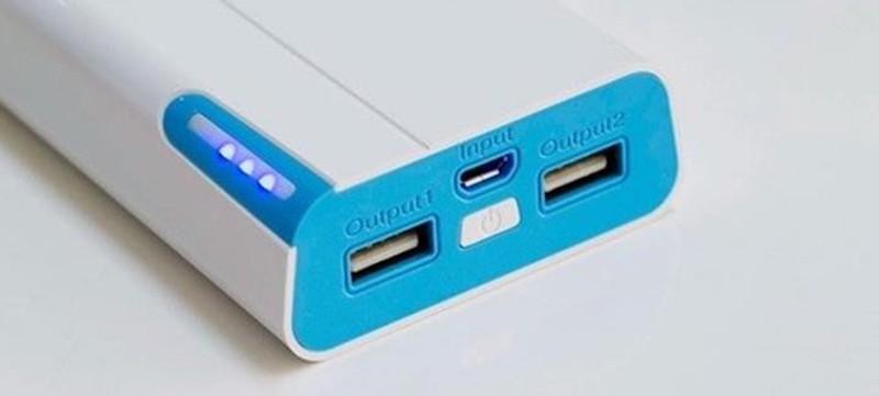 Pin sạc dự phòng Arun 8400 mAh - Đèn báo dung lượng pin dễ dàng theo dõi