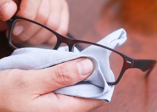 Tìm hiểu về chất liệu nhựa TR90 trên mắt kính