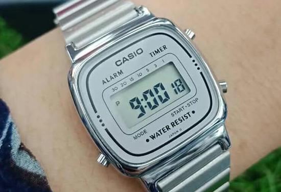 Điều chỉnh giờ hiện hành trên đồng hồ casio 3 nút.